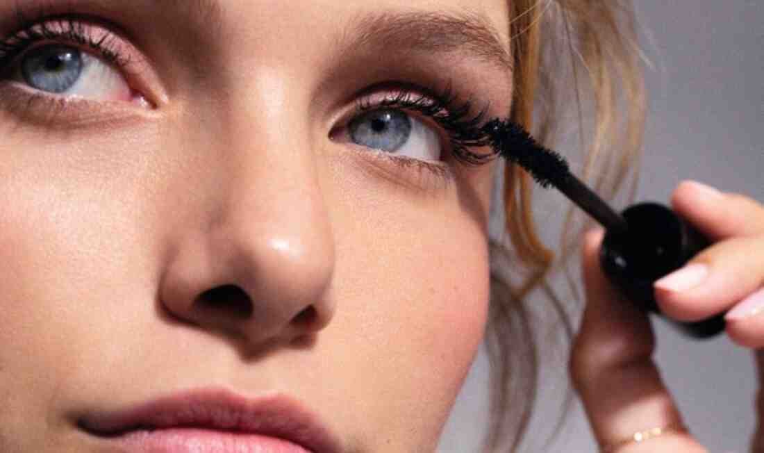 Comment porter un Eye-liner bleu ?