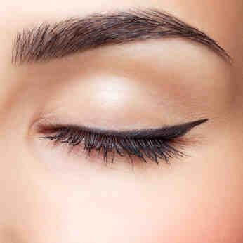 Quel produit pour teindre les sourcils ?