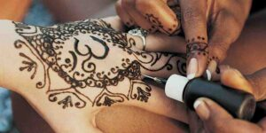Comment se faire un tatouage au henné ?